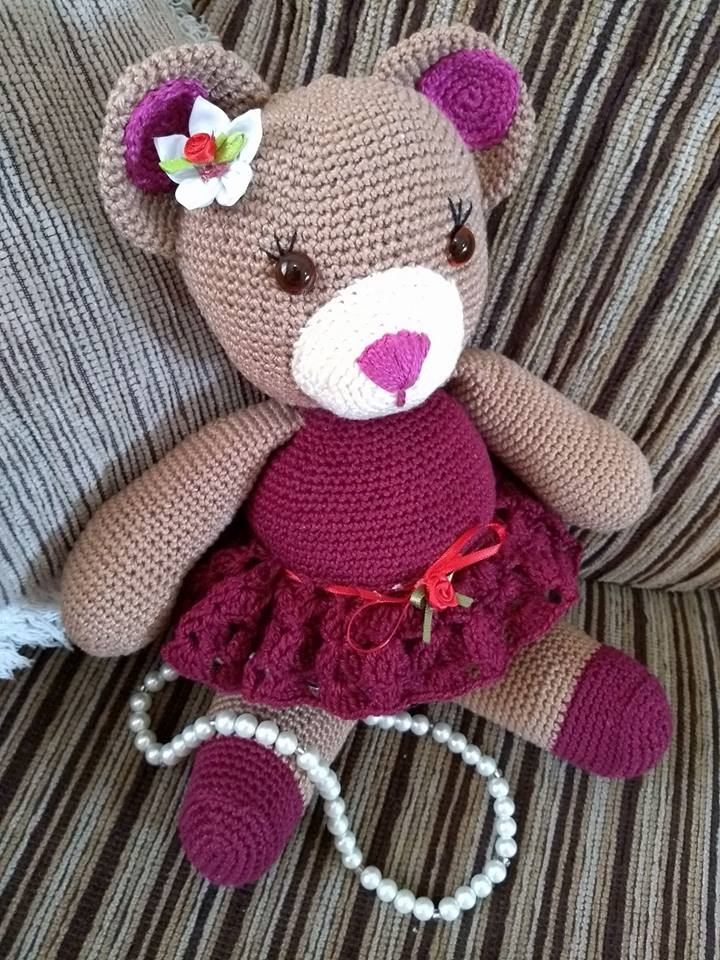 Crochet Along Little Bigfoot Bunny - YouTube | 960x720